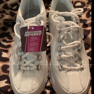BRAND NEW SKECHERS SPORT! THEY NEED A GOOD HOME!!